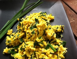 Chinese-Scrambled-Egg-with-Garlic-Chives
